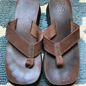 REEF flip flop sandals. Size 9